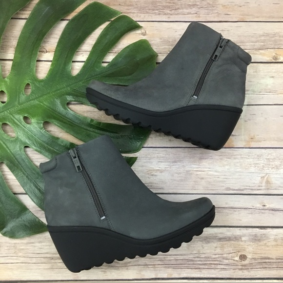 ebcbe95e5c9 Naturalizer gray suede wedge heel ankle boots. M 5b6fc7aa74359bf446d30b64